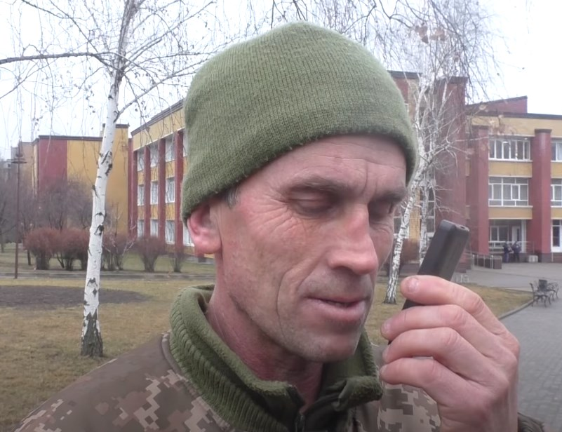 Ukrainian Soldier Flees To Donetsk People's Republic, Appears To Be 'Shocked' By Strikes On Civilian Targets