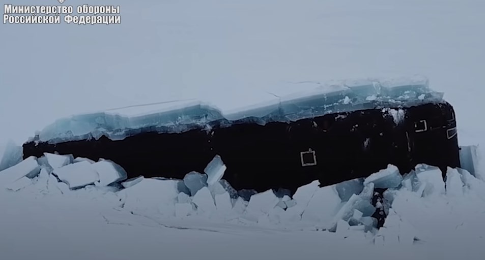 Three Russian Nuclear Subs Simultaneously Surface From Under Arctic Ice For First Time In History (Video)