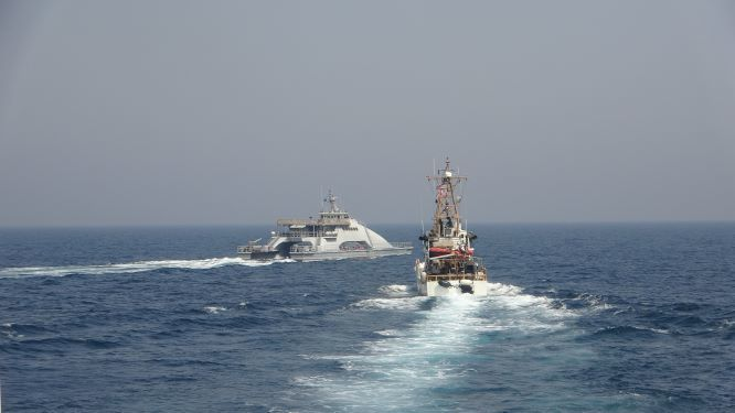 U.S. Warship Fired Warning Shot At IRGC Speed Boats