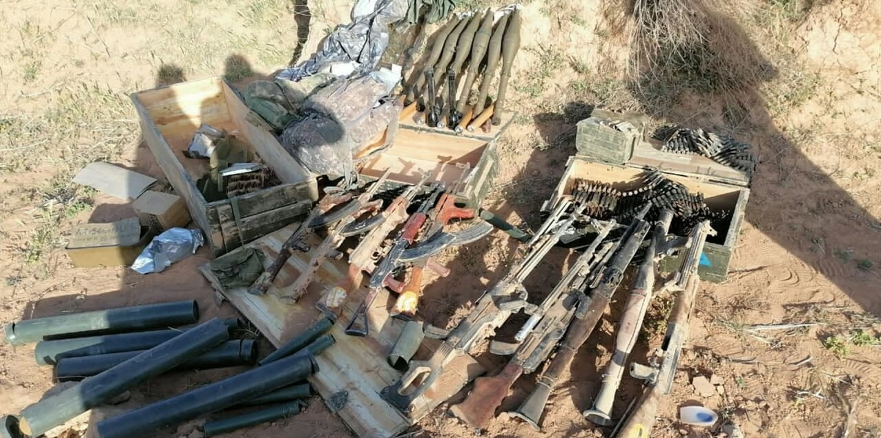 ISIS Terrorists Burned Iraqi Military Post On Border With Saudi Arabia (Photos)