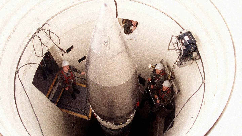 Nuclear Troubleshoot: U.S. Minuteman III ICBM Shuts Itself Off During Final Countdown