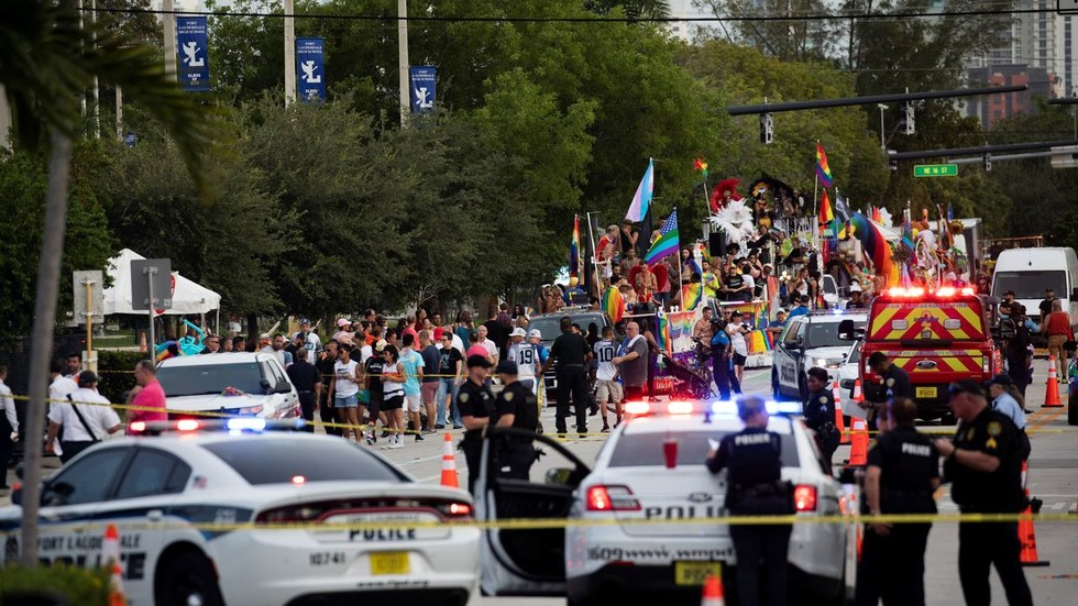 1 Dead, 6 Injured After Truck Plows Into Florida Pride Parade