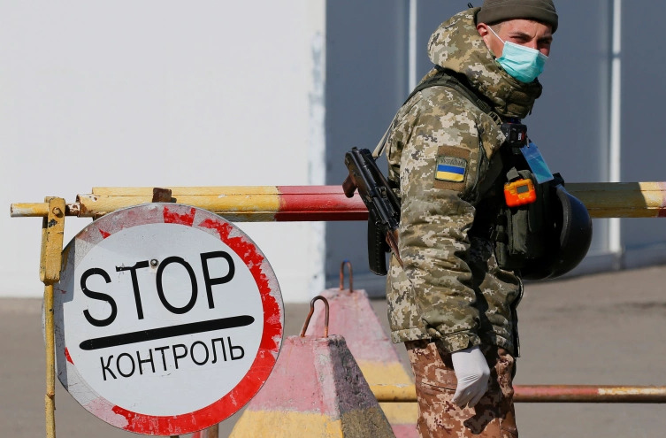 Ukraine's Armed Forces In Donbass Are Incredibly Demoralized, Survey Shows