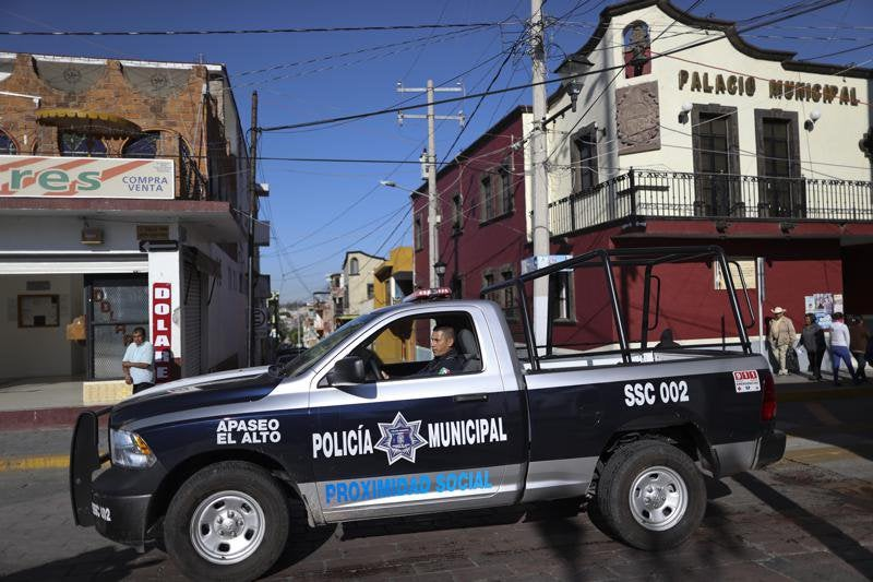 Mexican Cartel Hunts Down Police Officers, Kills Them In Front Of Their Families
