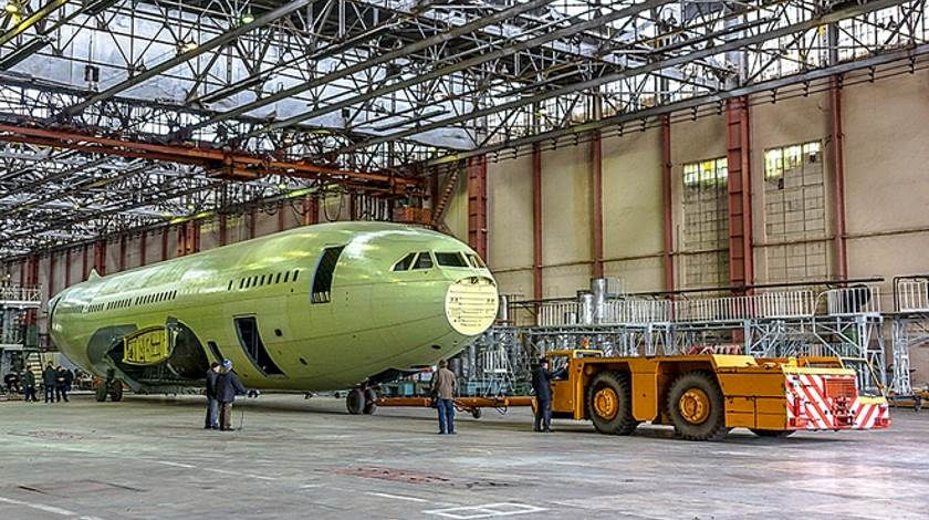 Russia To Produce Two Il-96-400M Doomsday Plane Placeholders