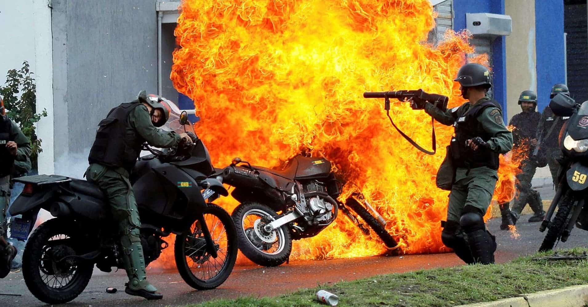 Heavy Clashes In Caracas, Venezuela As Criminal Gangs Try To Spread (VIDEOS)