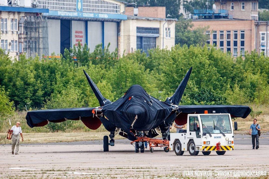First Photos Of New Secret Russian Fighter Jet