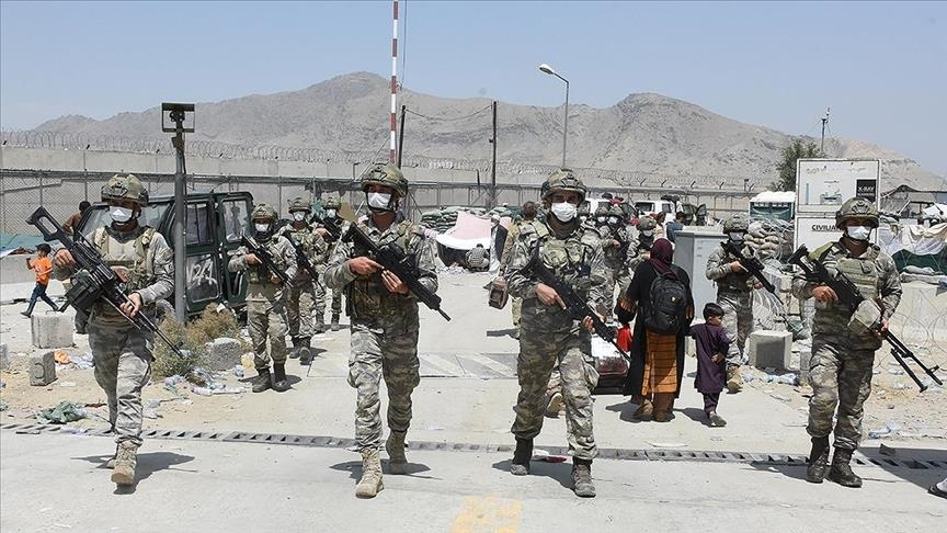 Chaos At Kabul Airport: First Soldier Killed, Fire Broke Out, Flights Suspended (Videos, 18+)
