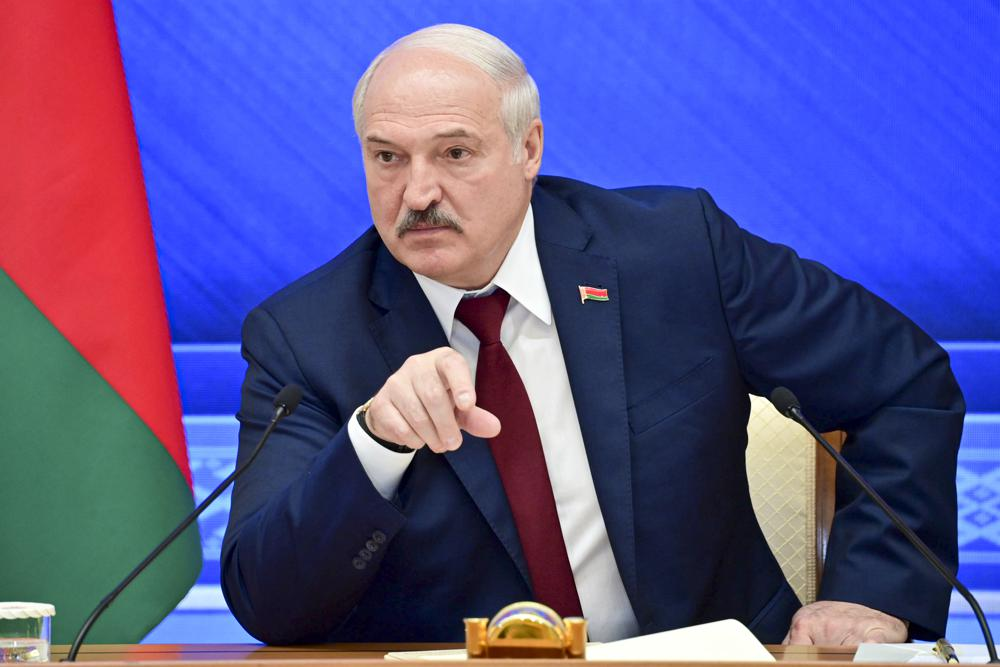 """Lukashenko Claims """"Large Batch"""" Of Russian Weapons Coming Minsk's Way"""