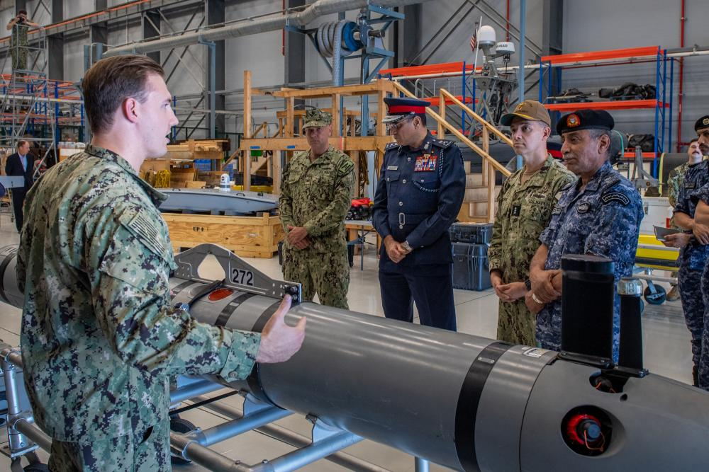 Bahrain And U.S. 5th Fleet To Cooperate In Integrating Unmanned System In Regional Ops