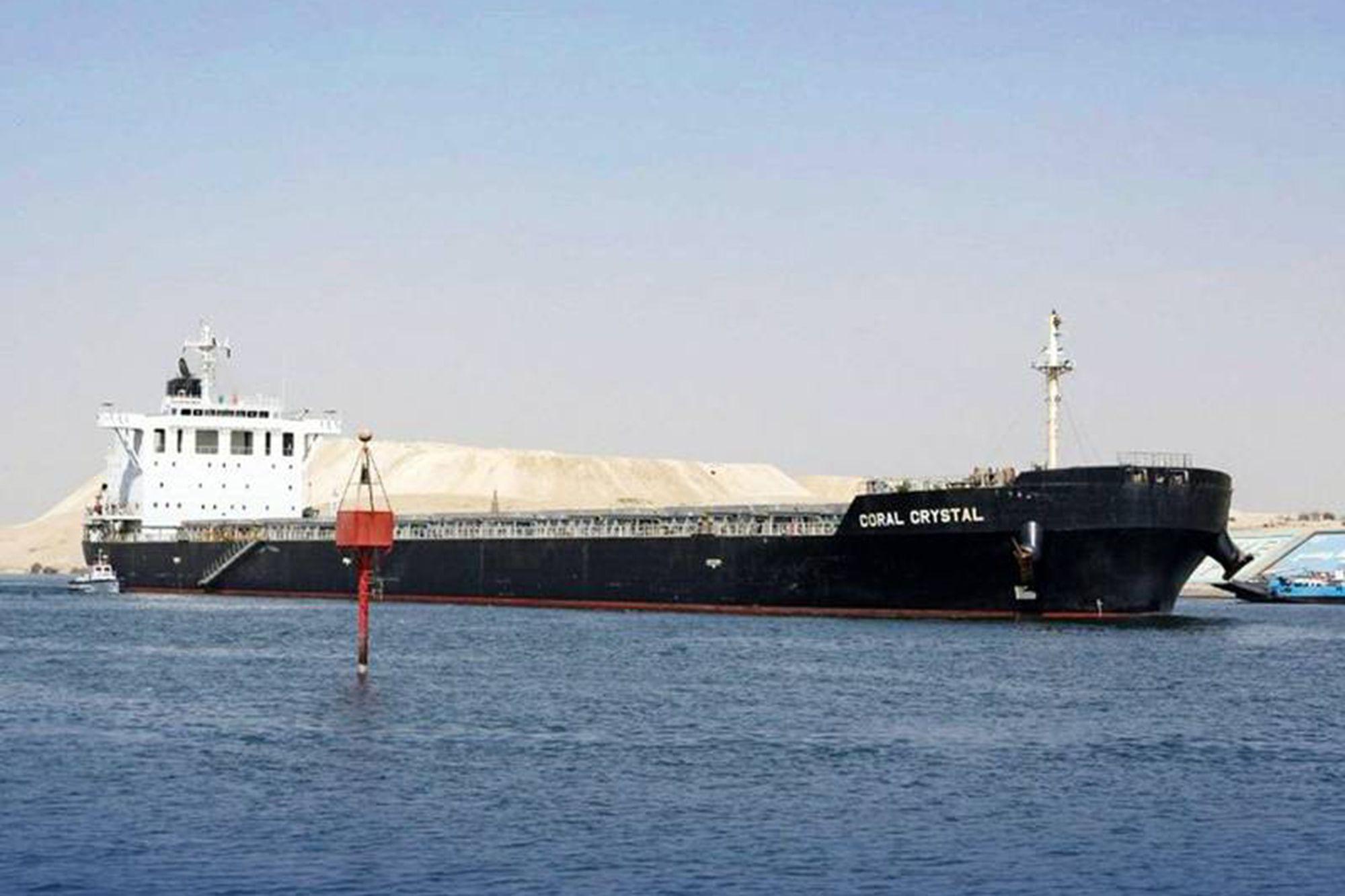 Déjà Vu: Cargo Vessel Briefly Blocks Suez Canal Lane