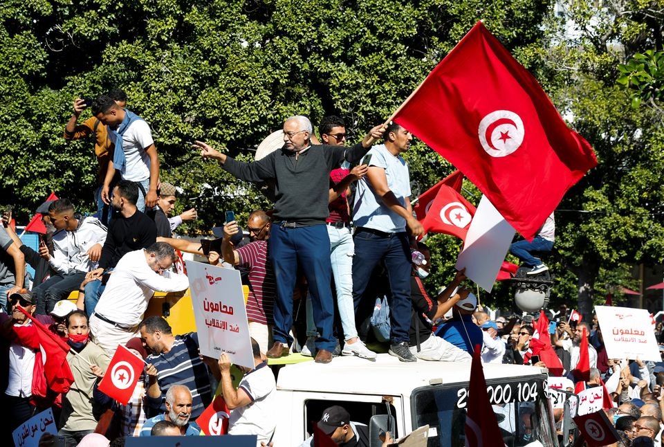 """Thousands Rally In Tunisia In Support Of """"Democracy"""" And Against President's Attempts To Fix Economic Collapse"""